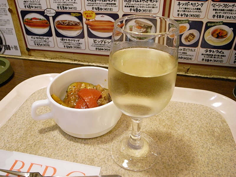 ラタトゥイユ ¥410、南オーストラリアの白ワイン グラス ¥324