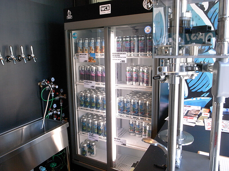 缶の冷蔵庫