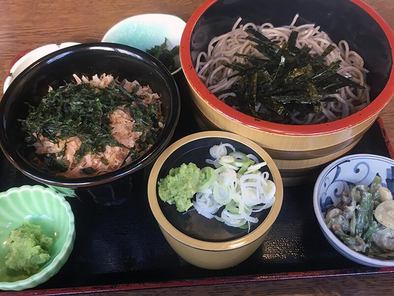 帰りに修善寺駅近くで食べたわさび丼
